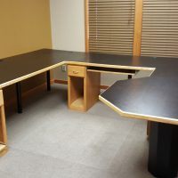 Free office desk to a non-profit organization
